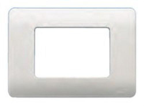 Placa con bastidor 3 estrechos 1 ancho + 1 estrecho de color blanco