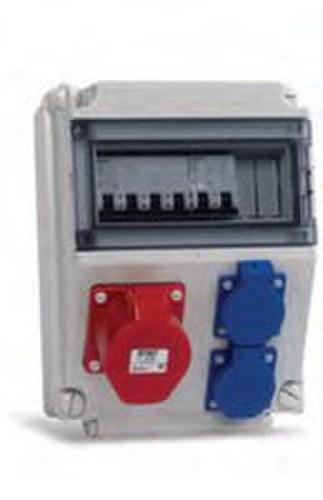 Caja con toma industrial/magnetotérmico TM-13-7