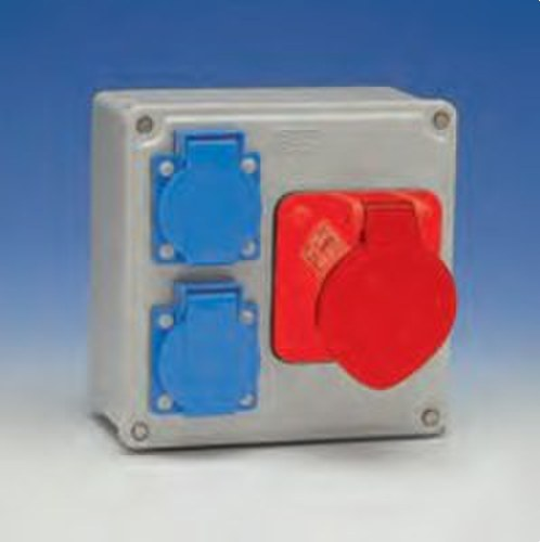 Caja 150x150 con 2 bases 2P+TT 16A 1-3P+TP 32