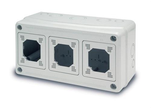 Caja 180x330x130 3 módulos Acqua Combi IP-65