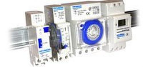 Interruptor diario 24h 1 módulo 230V 16A con reserva