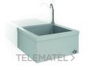 Lavamanos mural activado con rodilla, una agua con referencia GW08 52 04 01 de la marca GENWEC.