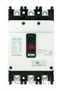 Interruptor automático caja moldeada HGM160 TREG 150A 3 polos 38kA con referencia HGM160-H3P150F de la marca HYUNDAI.