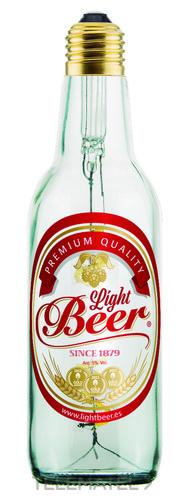 Lámpara con forma de botella LightBeer 8W 2200K E27 transparente y con etiqueta con referencia 53402+53440 de la marca MEGAMAN.