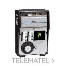 Caja recarga básica 1 toma con medidor energético trifásico con referencia 0600241-039 de la marca SIMON.